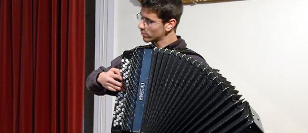 José Valente toca obra obrigatória da sua categoria