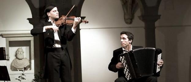 """Duo """"violiNOacordeão"""" vai abrir o Folefest 2012"""
